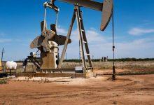 النفط يتأرجح بين مخاوف الطلب وتراجع المخزونات