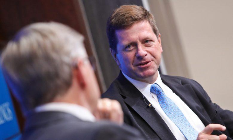 يقول كلايتون من SEC إن عدم كفاءة الدفع تعزز ارتفاع البيتكوين